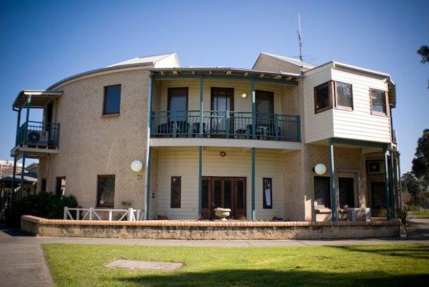Port Melbourne hostel